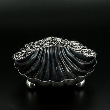 Серебряная икорница Ракушка