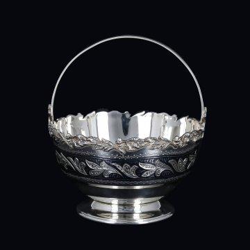 Серебряная конфетница Кубачи