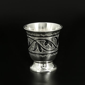 Серебряная стопка