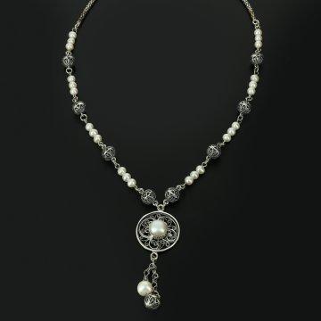 Кубачинское серебряное колье (жемчуг)