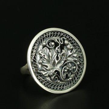 Cеребряное кольцо Лоза