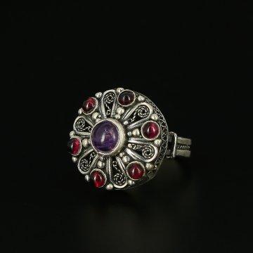 Серебряное кольцо (аметист, гранат)