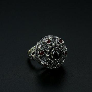 Серебряное кольцо (гранат)