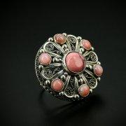 Серебряное кольцо с филигранью (камень родонит, опал)