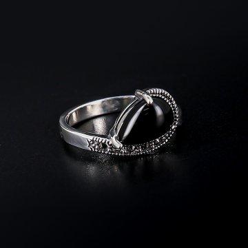 Серебряное кольцо (марказит, оникс)
