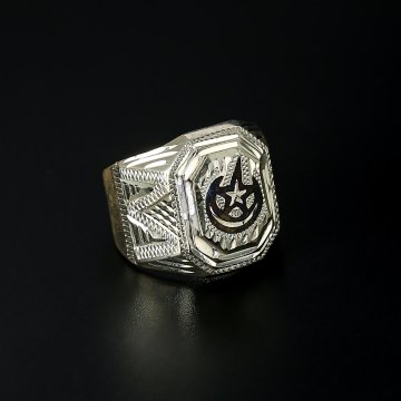 Серебряное кольцо-печатка с чернением