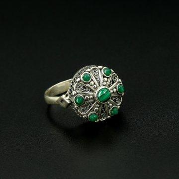 Серебряное кольцо с филигранью (малахит, хризопраз)