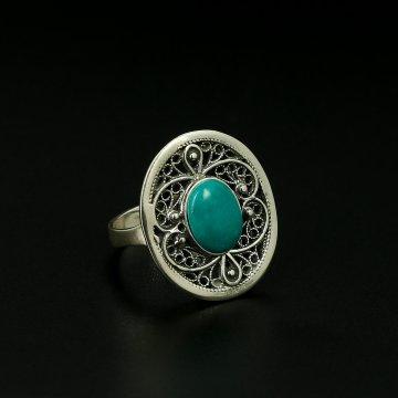 Серебряное кольцо с филигранью (камень - бирюза)
