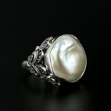 Серебряное кольцо с филигранью (барочный жемчуг)