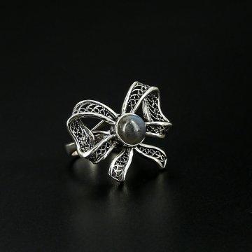 Серебряное кольцо с филигранью (лабрадор)