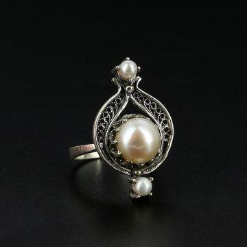 Серебряное кольцо с филигранью (жемчуг)
