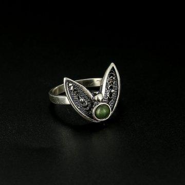 Серебряное кольцо Колосок (нефрит)