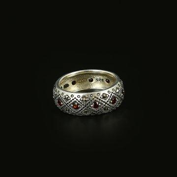 Серебряное кольцо (марказит,гранат)