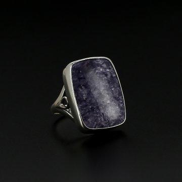 Эксклюзивное серебряное кольцо (чароит)