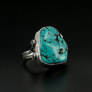Серебряное кольцо (говлит)