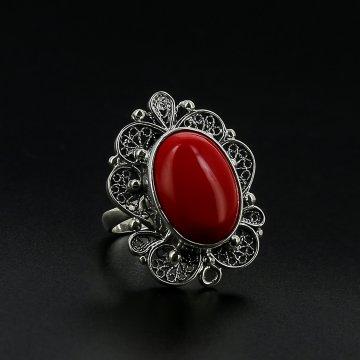 Серебряное кольцо (коралл иск.)