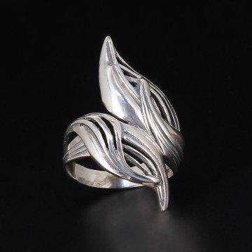 Серебряное кольцо Лепестки