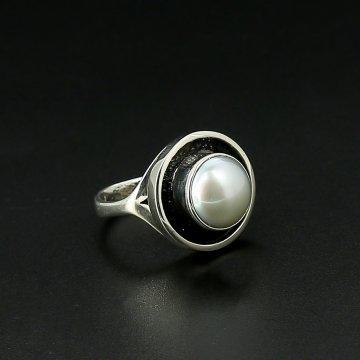 Серебряное кольцо авторская работа (жемчуг)