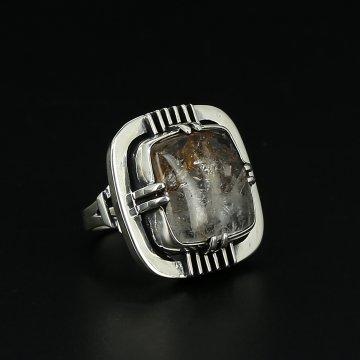 Серебряное кольцо авторская работа (кварц)