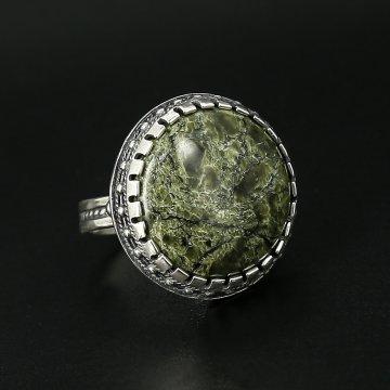 Серебряное кольцо (змеевик)