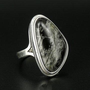 Серебряное кольцо авторская работа (роговик)