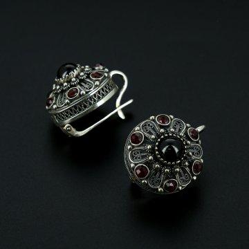 Серебряные серьги с филигранью (камень гранат)