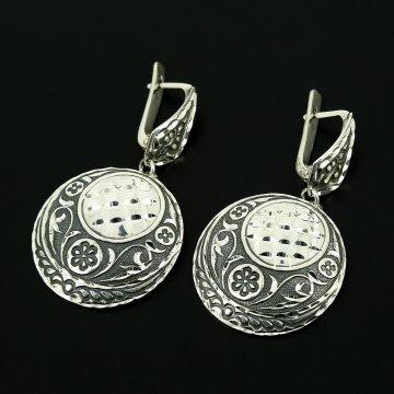 Серебряные серьги с гравировкой