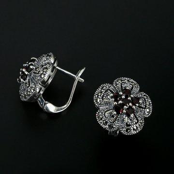Серебряные серьги (марказит, гранат)