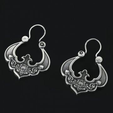 Серебряные серьги Традиция (цветочный узор)