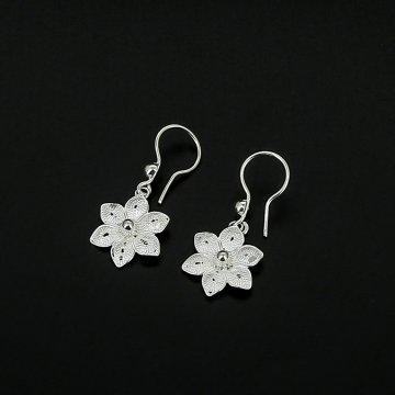 Серебряные серьги Цветок