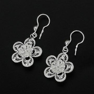 Серебряные серьги Цветок сакуры