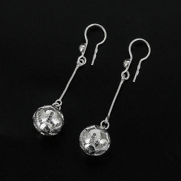Серебряные серьги Ажурные шары
