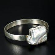 Серебряный браслет (камень - барочный жемчуг)