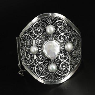 Серебряный браслет Кружева (барочный жемчуг)