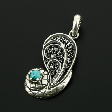 Серебряный кулон с филигранью (камень - бирюза)