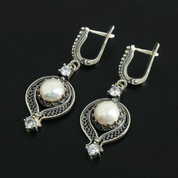 Кубачинские серебряные серьги с филигранью ручной работы (камень - жемчуг, циркон)