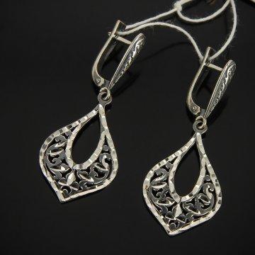 Кубачинские серебряные серьги ручной работы с гравировкой