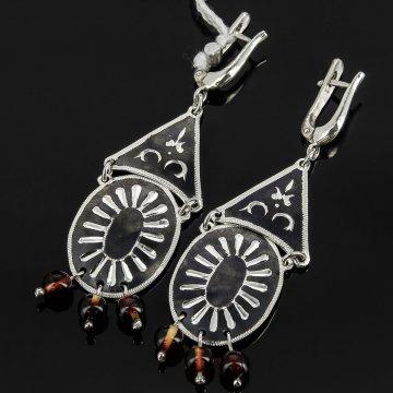 Кубачинские серебряные серьги ручной работы с чернением (камень - янтарь)