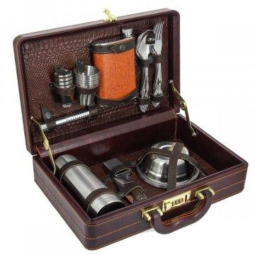 Кизлярский туристический набор для пикника в кожаном кейсе