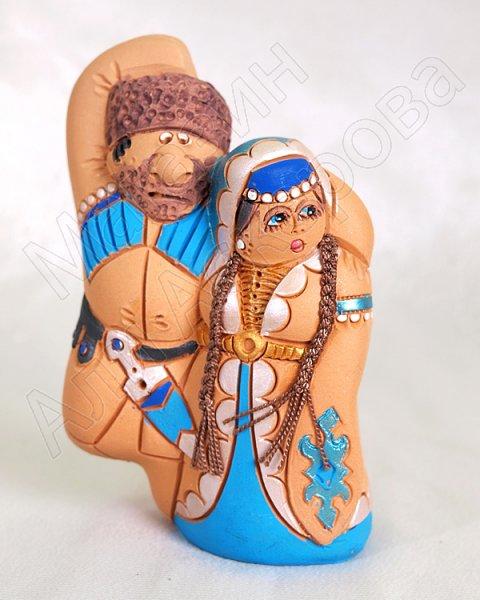 """Подарочная статуэтка ручной работы """"Лезгинка на свадьбе!"""" обожженная глина"""