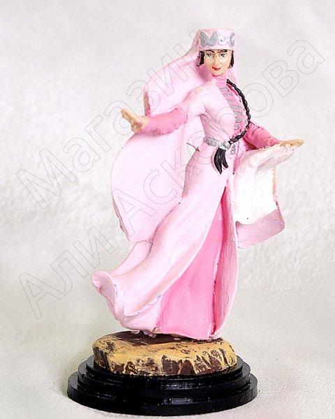 """Подарочная статуэтка ручной работы """"Девушка на свадьбе"""" (обожженная глина)"""