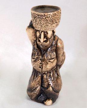 """Подарочная статуэтка ручной работы """"Горец на рынке"""" обожженная глина"""