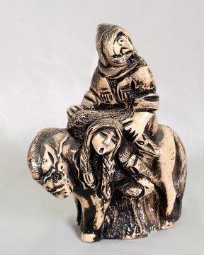 """Подарочная статуэтка ручной работы """"Похищение возлюбленной"""" обожженная глина"""