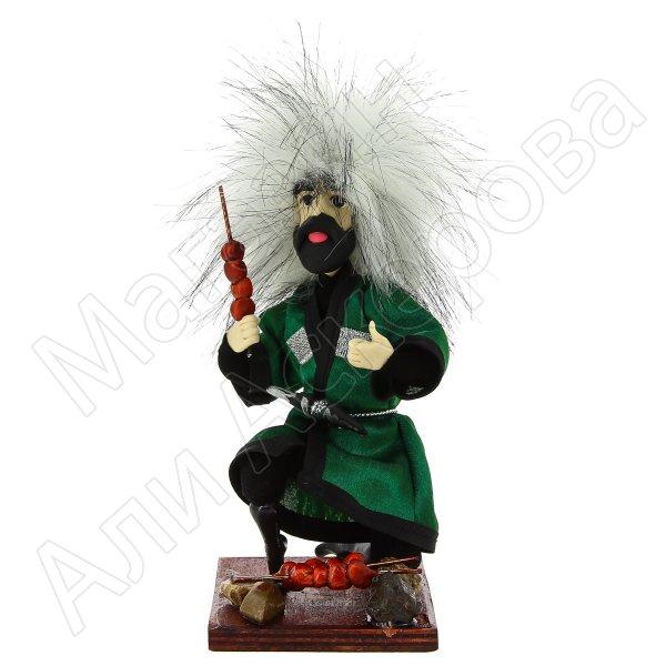 """Сувенирная кукла-композиция на деревянной подставке """"Джигит с шашлыком"""""""