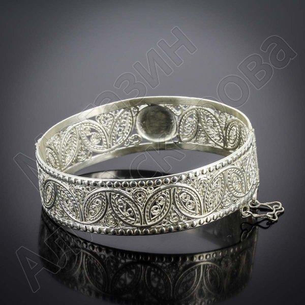 Кубачинский серебряный браслет белый (кошачий глаз)