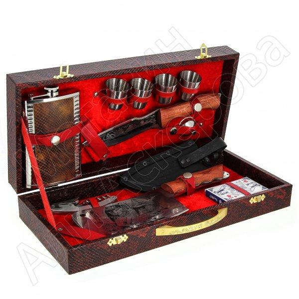 Кизлярский туристический набор для пикника в подарочном кейсе №24