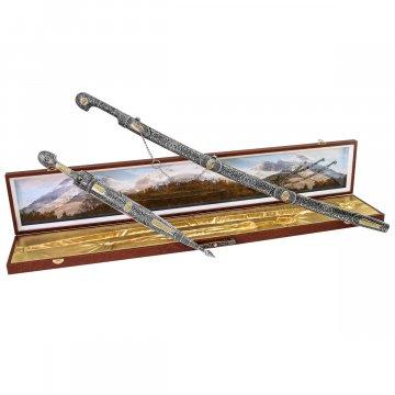 Кубачинский подарочный набор в футляре (шашка и кинжал с позолоченными вставками)