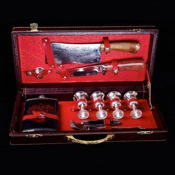 Кизлярский туристический набор для пикника в подарочном  кейсе №1