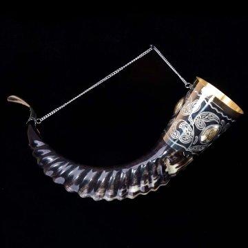 Элитный рог кавказского тура c латунными медальонами