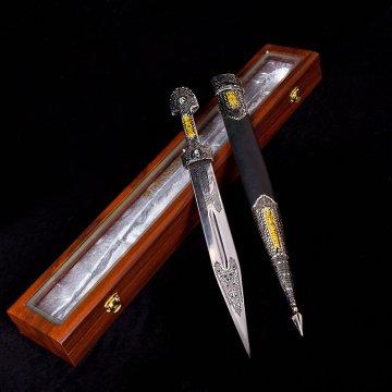 Кубачинский подарочный набор в футляре (кинжал с позолоченными вставками)